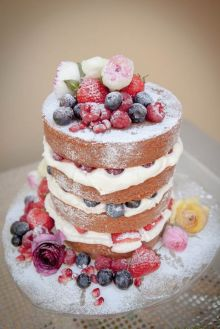layers filling and berries